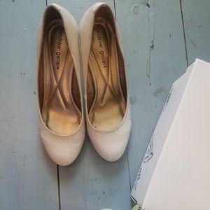 Shoes - Comfortable Pumps Cream